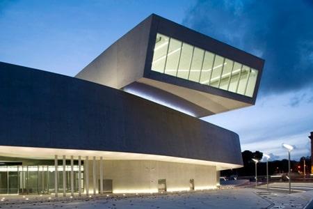 سبک معماری دیکانستراکشن